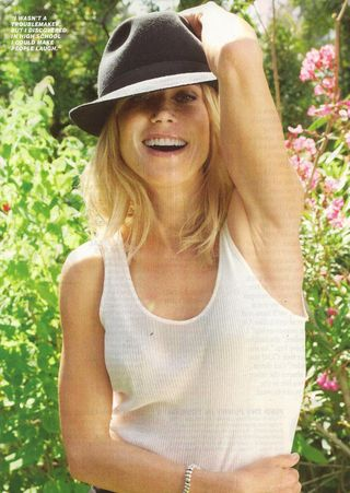 Julie Bowen Inside 001